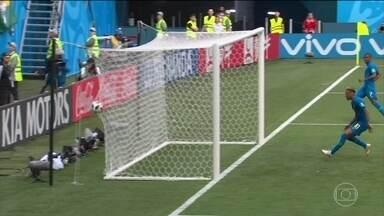 Vitórias de Brasil e Suíça vieram com gols nos acréscimos - E isso vêm sendo algo recorrente nesta Copa do Mundo. Quem explica é o repórter Guilherme Roseguini.
