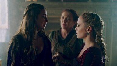 Amália avisa a Constância que deixará o castelo - Amália não aceita casamento entre Afonso e Catarina