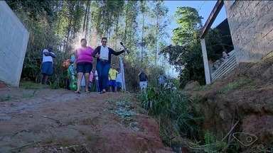 Calendário do ESTV: Moradores cobram promessa no bairro Village da Luz - Moradores pedem obra no local.