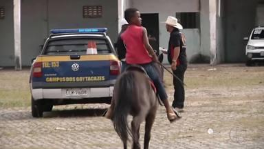 Tradicional cavalgada abre os festejos da Expoagro em Campos, no RJ - Assista a seguir.