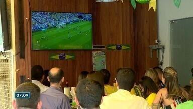 Torcedores do Norte do ES festejam a vitória do Brasil - Brasil venceu o México por 2 a 0.