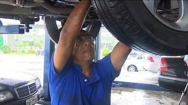 Revisão geral no veículo é importante antes de fazer uma viagem - Para quem está se programando para aproveitar para viajar de carro é preciso de cuidado.