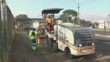 Obras de recuperação da Rodovia Geraldo de Barros interditam trecho urbano de Piracicaba - Com interdição parcial, há congestionamento na via, na saída para São Pedro (SP); obra deve ser concluída em 2019.
