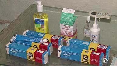 Jovem enfrenta dificuldades com remédios para fazer tratamento de doença - Doença rara causa bolhas em todo corpo do jovem.