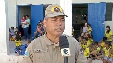 Militares do Corpo de Bombeiros fazem ação em Corumbá - O Dia do Corpo de Bombeiros foi comemorado na segunda-feira (2).