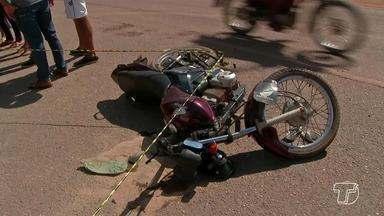 Motociclista morre ao se chocar com carro na contramão na PA-370 em Santarém - O carona da moto também se feriu. Testemunhas disseram que o motorista do carro passou entrou na pista contrária e outras disseram que ele passou mal.