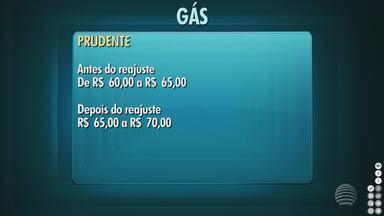 Revendedoras aumentam o preço do gás de cozinha em Presidente Prudente - Em alguns locais, foram encontrados botijões a R$ 5 mais caros.
