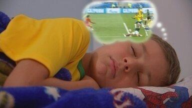 Torcedores do Brasil são supersticiosos durante as partidas da Seleção na Copa - Alguns moradores do noroeste paulista tem sido supersticiosos para torcer pela vitória de Seleção Brasileira durante a Copa do Mundo da Rússia.