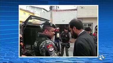 Advogado é detido em Caruaru - Polícia Militar informou que o advogado foi colocado na viatura por ter desacatado um tenente.