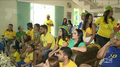 Em casa ou no trabalho, torcedores em São Luís pararam para ver a seleção - Torcedor estava confiante de que dava para ir mais longe na copa, mas infelizmente o sonho do hexa foi adiado.
