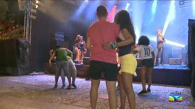 Noite de música marca a sexta-feira no centro de São Luís - Ao vivo, o repórter Werton Araújo contou sobre a programação da noite.