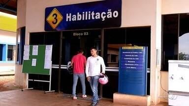 Emissão de Carteira de Habilitação continua atrasada no Tocantins - Emissão de Carteira de Habilitação continua atrasada no Tocantins