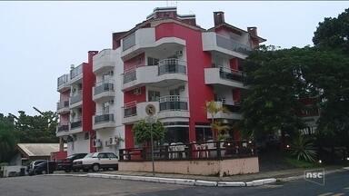 Polícia investiga caso de família encontrada morta em apart-hotel em Florianópolis - Polícia investiga caso de família encontrada morta em apart-hotel em Florianópolis