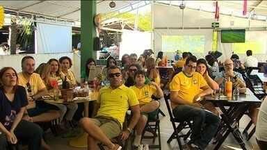 Alguns bares de Aracaju prometeram descontos caso a Seleção Brasileira balançasse a rede - Estratégia aumentou expectativa pelos gols da Seleção nos torcedores.