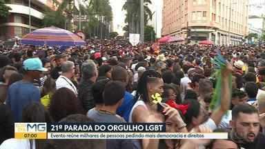21ª Parada do Orgulho LGBT reúne milhares de pessoas na região central de Belo Horizonte - Concentração da marcha foi na Praça da Estação, que seguiu até a Praça Raul Soares.