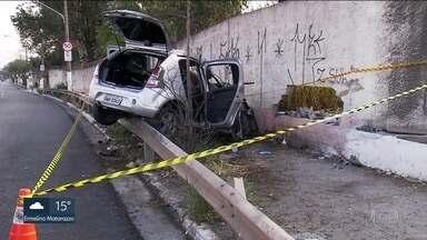 Acidente deixa dois mortos e seis feridos na Zona Leste - Morreu a segunda vítima do acidente com um carro que levava oito pessoas de madrugada na Vila Prudente, Zona Leste da capital. O motorista estava bêbado.