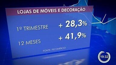 Comércio sente melhora nas vendas em São José - Setores de móveis e decoração estão em alta.