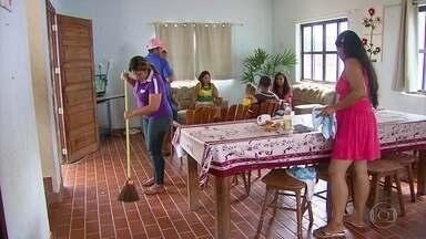 Refugiados da Venezuela devem ficar durante seis meses no abrigo montado em Igarassu - Em Pernambuco, famílias venezuelanas recebem atendimento médico, ajuda para tirar documentos e orientações sobre onde procurar emprego.