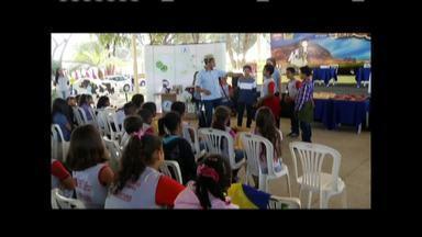 Projeto Agropecuária na Escola é realizado durante a Expoagro em Valadares - Cerca de 600 alunos, de 10 escolas, participam do projeto.
