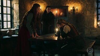 Selena e Amália confortam Diana - Diana quer fugir para que Catarina e Delano não a encontrem