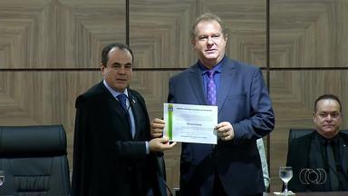 Mauro Carlesse (PHS) toma posse como governador do Tocantins para o mandato-tampão - Mauro Carlesse (PHS) toma posse como governador do Tocantins para o mandato-tampão