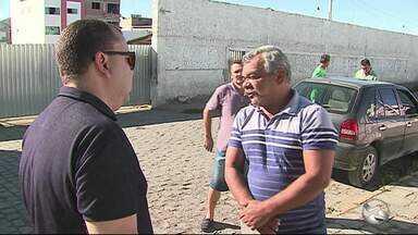 Funcionários da empresa de transporte Bahia reclamam de salário atrasado - Empresa não pode mais circular pelas ruas de Caruaru