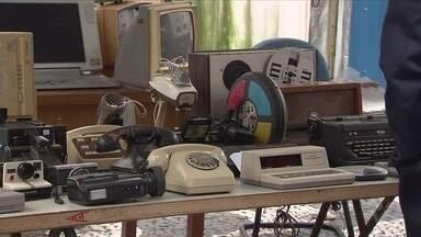 Ponto de coleta de lixo eletrônico ficará montado em feiras livres de Santos - Iniciativa ocorre durante todo o mês de julho.