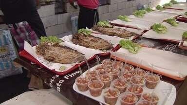 Festa da Tainha de Bertioga é opção para moradores e turistas - Evento acontece às sextas, sábados e domingos.
