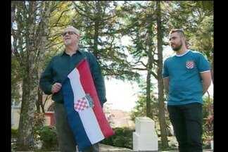 Descendentes dos Croatas acompanham a final da Copa em Guarani das Missões - Mesmo com a derrota, os moradores comemoram a boa campanha do time no mundial.