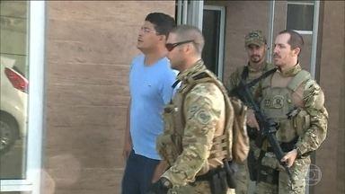PF prende suspeitos de aplicarem golpe por aplicativo de mensagem - Principal alvo dos bandidos eram políticos. Líder do grupo foi preso em São Luís (MA).
