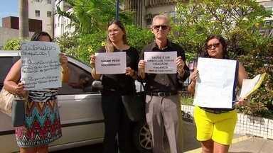 Pacientes que sofrem de câncer no sangue esperam há meses por remédio em Pernambuco - Pacientes que sofrem de mieloma múltiplo estão há meses esperando por um medicamento para fazer quimioterapia. Uma dessas pessoas acabou não resistindo.