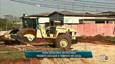 Confira como fica o trânsito perto da obra de uma rotatória em Oficinas - A obra interdita várias vias ao redor do local.