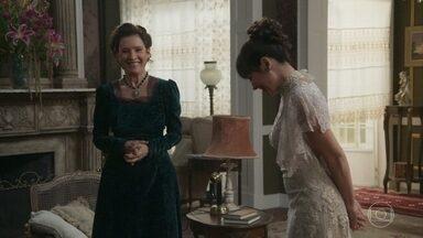Susana e Lady Margareth comemoram a prisão de Elisabeta - A ex-mulher de Olegário não entende como a polícia teve informações sobre Elisabeta