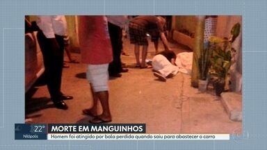 Homem morre atingido por bala perdida em Manguinhos - Ele tinha ido ao posto abastecer o carro com um dos filhos e os sobrinhos e foi baleado quando voltava pra casa