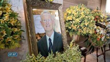 Amigos, família e funcionários se despedem de ex-presidente da Garoto - Helmut Meyerfreund sofria de Alzheimer e morreu na sexta-feira (20), em São Paulo. O velório aconteceu neste domingo (22), em Vila Velha.