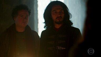Romero e Afonso discordam sobre Luciola - Ambos viram em locais diferentes. Amália quer falar sobre Catarina