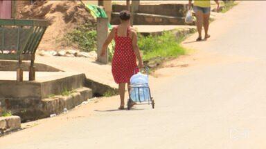 População de Santa Inês sofre com a falta de água - Moradores do Vale do Pindaré sofrem com a frequente falta de água e as casas são abastecidas somente com a água do rio através dos poços.