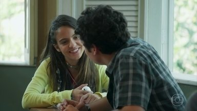 Amanda e Kavaco relembram primeiro encontro no Sapiência - Casal pensa na história de amor deles