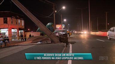 Acidente deixa um morto de três feridos na Rodovia João Leopoldo Jacomel - Muitos motoristas e moradores da região reclamam da falta de sinalização no trecho.