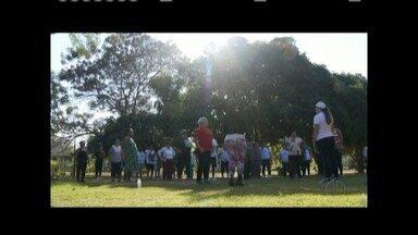 Moradores em Valadares investem em atividades físicas na busca de uma melhor saúde - Núcleo de Apoio à Família reúne grupos para a prática de atividades físicas em espaços públicos.
