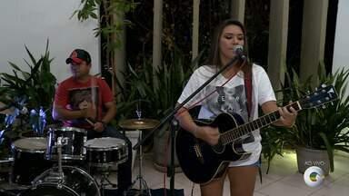 Suzana Coelho se apresenta em Petrolina - A cantora mostrou um pouco do repertório no GRTV