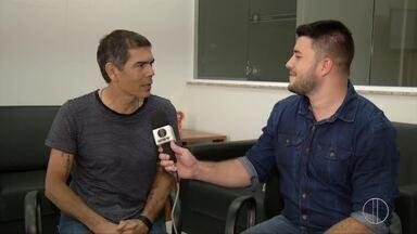 Dado Villa-Lobos se apresenta em Campos, no RJ - Assista a seguir.