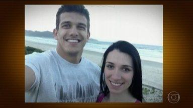 Prazo para conclusão do inquérito da morte de Tatiane Spitzner termina nesta terça (31) - Advogada caiu da sacada do apartamento onde morava em Guarapuava (PR). Considerado suspeito do assassinato, o marido de Tatiane continua preso.