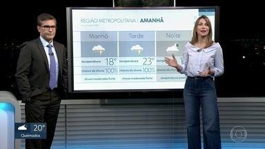 Terça-feira (31) com chuva forte na cidade do Rio - Frente fria faz o tempo mudar, nesta terça-feira (31). Há previsão de chuva forte e queda na temperatura ao longo do dia. A máxima não deve passar dos 23°C e a mínima será de 15°C.