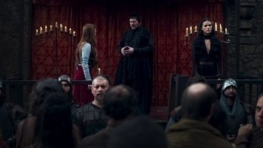 Amália dá seu parecer no julgamento de Catarina - Amália espalha a todos que ela e Catarina são irmãs
