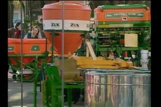 Feira de máquinas leva novidades do campo para os agricultores - Ação acontece nesta quarta-feira (01) em Santa Rosa.