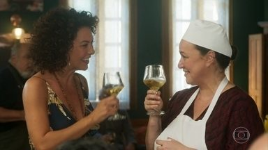 A comida de Nice faz sucesso no restaurante - Em casa, Agenor ofende a esposa
