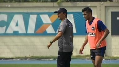 Com Zé Ricardo no comando, Botafogo busca primeira vitória fora de casa no Brasileirão - Com Zé Ricardo no comando, Botafogo busca primeira vitória fora de casa no Brasileirão