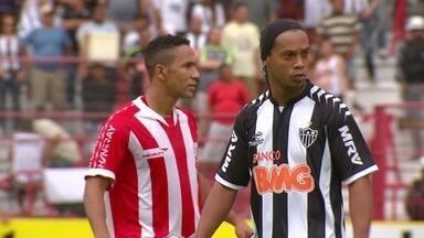 Relembre: Em 2012, Josa para Ronaldinho Gaúcho e Náutico vence o Atlético-MG - Relembre: Em 2012, Josa para Ronaldinho Gaúcho e Náutico vence o Atlético-MG