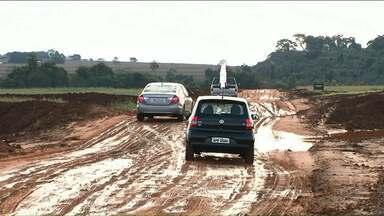 Motoristas reclamam das condições de desvio entre Cianorte e Terra Boa - O desvio custou R$ 1,6 milhão de reais e foi feito depois da queda de uma ponte na PR 082.